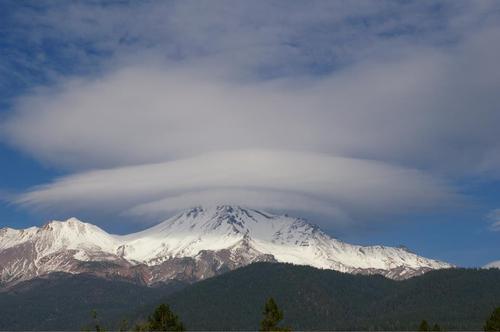 わあー、二重のUFO雲が・・・